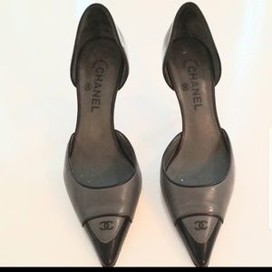 Chanel black and grey pointy toe heels  39